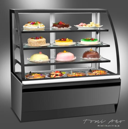 Myyntitiski, kylmäkaappi, jossa on mm. täytekakkuja